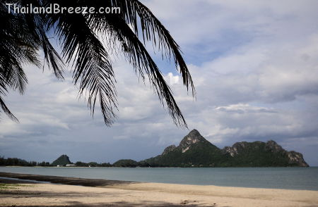 Ao Manao beach in Wing 5, Prachuap Khiri Khan.