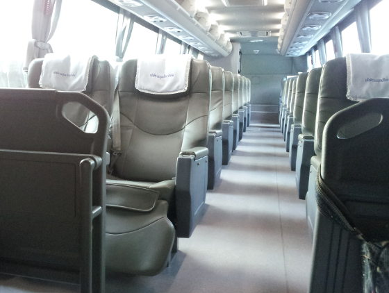 The comfortable airport bus takes you straight from Hua Hin to Suvarnabhumi Airport