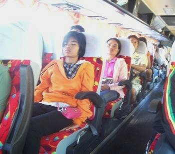 Air conditioned buses in Thailand are both cheap and comfortable