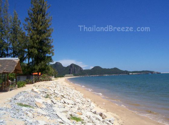 Klongwahn is a fishing village in the south of Thailand featuring a beautiful beach.