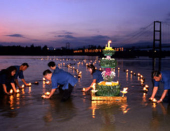 Celebrate the loy kratong festival in Taak, Thailand