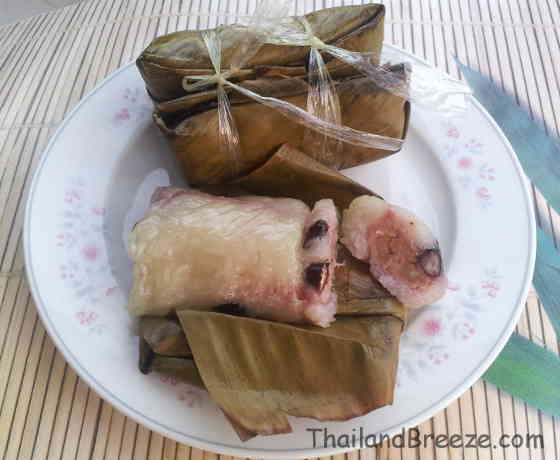 Kao tom mud is a popular Thai snack with banana filling.