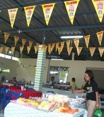 Vegetarian restaurants in Thailand put up yellow flags