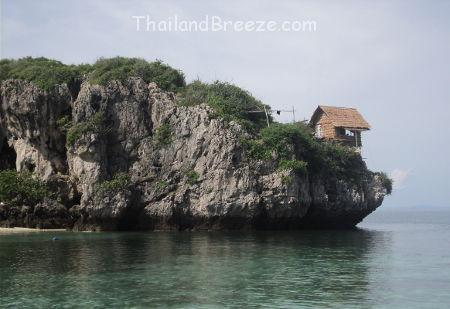 Thaisi island is part of Hat Wanakon National Park and offers shallow-water snorkeling.