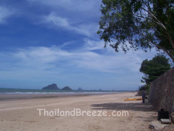 Thung Mamao beach is located in Prachuap Khirikhan province, in Thailand.