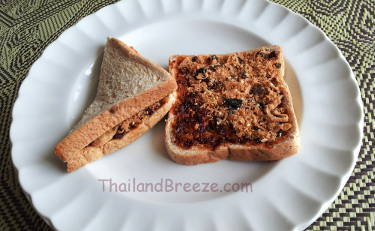 Even vegetarians can enjoy Thai chili paste sandwiches.